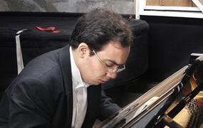 Concert Récital du pianiste Jean Dubé au Prieuré de Mayanne, Dangeul