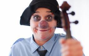 Spectacle Ze Big Grande Musique D'emma La Clown - Cie La Vache Libre
