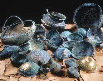 Bric-à-brac pour les dieux ? Les dépôts d'objets métalliques à l'âge du Bronze