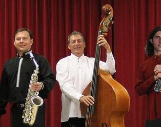 Musique de l'Europe de l'Est avec Slava Kazykin ensemble