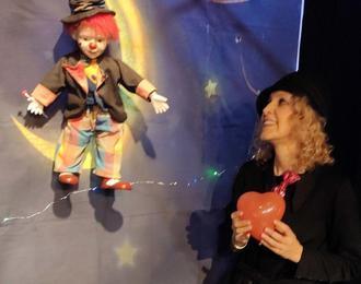 Petit Clown In The Moon - Magie & Marionnettes Pour 3-6 Ans