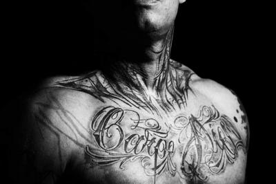 Black and white Tattoo à Marseille