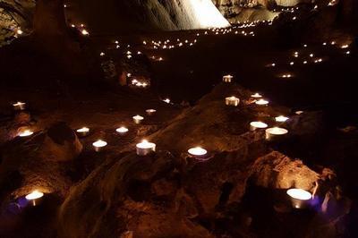 La grotte s'enflamme à Anduze