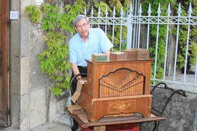 Pasteur En Musique : L'orgue De Barbarie à Arbois