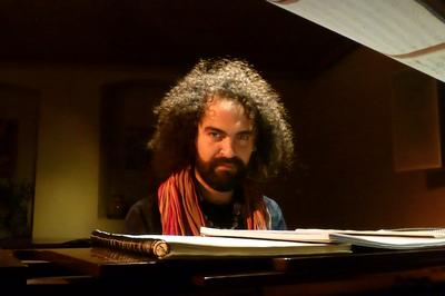 Ewerton Oliveira invite Vincent Russo chanson et piano à Grenoble