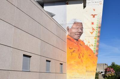 À La Découverte Des Peintures Murales Et Des Ateliers Du Lycée Nelson-mandela à Poitiers
