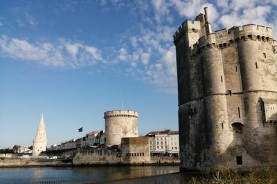 À La Découverte Des Tours De La Rochelle