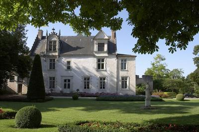 À La Découverte Du Château De Beaulon à Saint Dizant du Gua