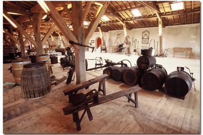 À La Découverte Du Musée Du Vin Et De La Vigne à Portets