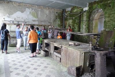Accès Exceptionnel Aux Sous-sols Du Château à Saint Goazec