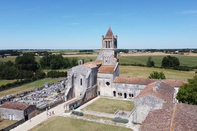 Amusez-vous à La Découverte Du Joyau De La Saintonge Romane à Sablonceaux