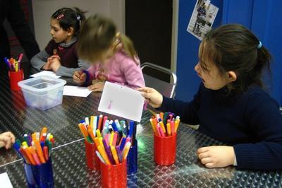 Animation Jeune Public Atelier De Mail-art à Toulouse