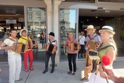 Animations : Jeux Traditionnels Occitans, Musique, Chant, Conte Avec Le Groupe Des Atp à Marmande
