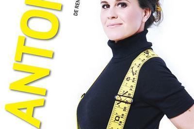 Antonia De Rendinger Pose Les Fondations à Toulon
