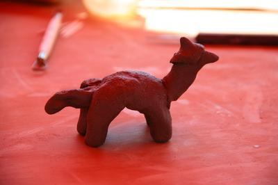 Atelier Fabrication De Petites Figurines à Vieux