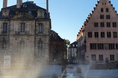Atelier « Dessine Tout Ce Qui Te Passe Par La Fenêtre ! » Dans Le Cadre De L'opération « Levez Les Yeux ! » à Strasbourg