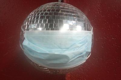 Au Bal Masqué - Dancing Solo Pour 10 Personnes à Longueil Annel