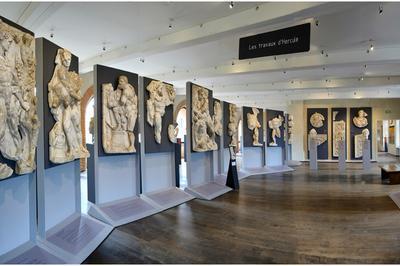 Ave ! Un Expert À Votre Écoute Dans Les Collections Du 1er Étage Du Musée Saint-raymond, Musée Des Antiques De Toulouse