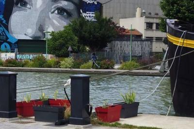 Balade Urbaine Sur Le Canal De L'ourcq à Bobigny