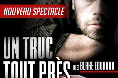 Blake Eduardo Dans Un Truc Tout Près à Paris 4ème