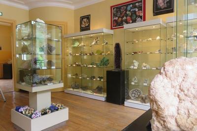 Centre D'exposition Des Minéraux Fossiles Et Roches Des Ardennes : Visite Libre à Bogny sur Meuse
