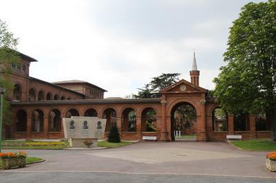 Centre Hospitalier Gérard-marchant  : 150 Ans D'histoire à Toulouse