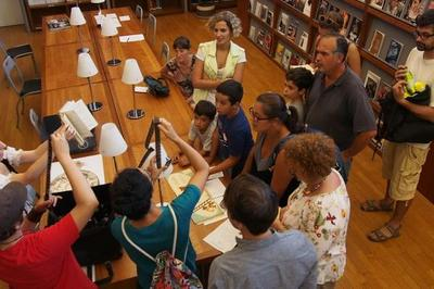 Chasse Aux Trésors Pour Les Enfants à La Bibliothèque à Toulouse