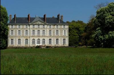 Château De La Roche-noyant à Noyant la Gravoyere