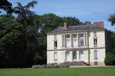 Château Et Parc De Grandville à Port saint Pere