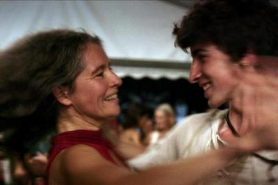 Ciné-bal // Le Grand Bal et initiation aux danses folk à Bobigny