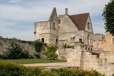 Circuit Guidé De La Cathédrale, Du Château Royal Et Du Jardin Du Roy à Senlis