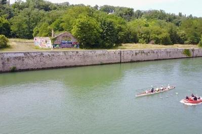Circuit Voyage Dans Le Temps, Du Port Industriel Au Parc De Bord De Seine à Corbeil Essonnes