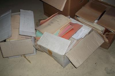 Collecte D'archives Sur L'école De La Perrière à Evron