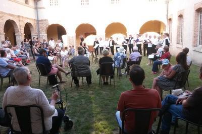 Concert De La Chorale 'voix Si Voix La' à Aubigny sur Nere