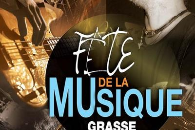 Concert face à la Caisse d'Epargne Boulevard Jeu de Ballon à Grasse
