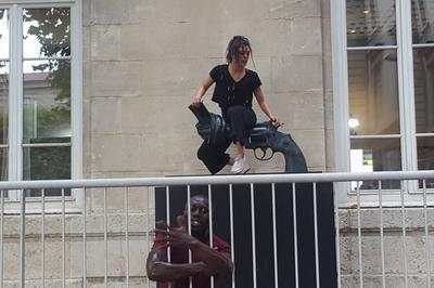 Corps Humains En Résistances Dansées à Lyon