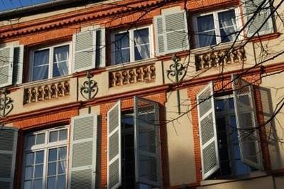 Cours, Tours Et Détours Dans Le Quartier Des Carmes à Toulouse