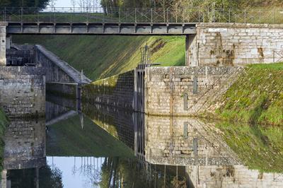 Croisières Commentées Sous Le Tunnel De Saint-albin à Rupt sur Saone