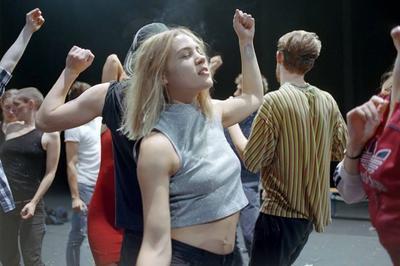 Crowd Création De Gisèle Vienne à Nanterre