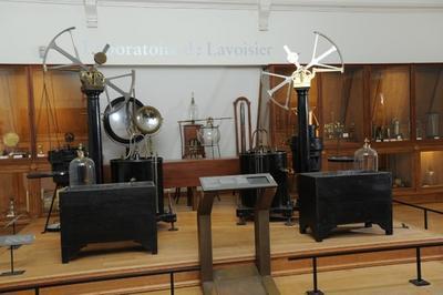 Dans Le Laboratoire De Lavoisier à Paris 3ème