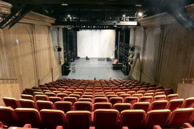 Dans Les Coulisses Du Théâtre De La Commune à Aubervilliers