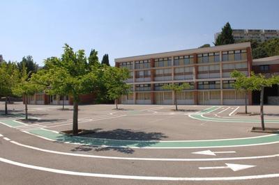 De L'ordinaire Au Remarquable, Parcours Des Ecoles De Jean Jaures A Di Lorto à Martigues