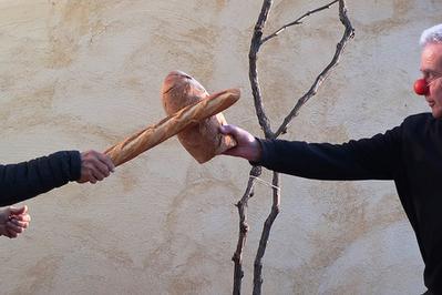 De La Banette Au Pain - Duologos à Arles