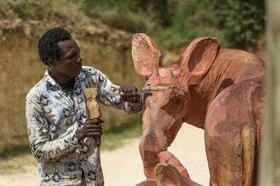 De la sculpture à la nature ! à Doue la Fontaine