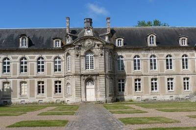 De La Ville Médiévale À La Ville Moderne à Chateaudun