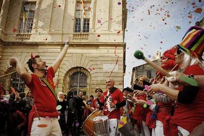 Déambulation De Fanfares à Arles