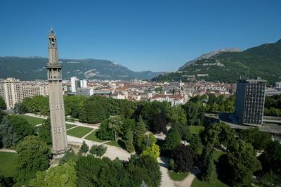Déambulations Dans La Ville à Grenoble