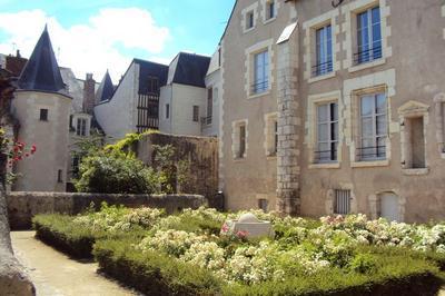 Découverte Architecturale Des Hôtels De Vareilles Et Sardini à Blois