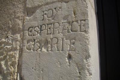 Découverte D'inscriptions Du Xviie Siècle Illustrant La Période De La Contre-réforme. à Leignes sur Fontaine