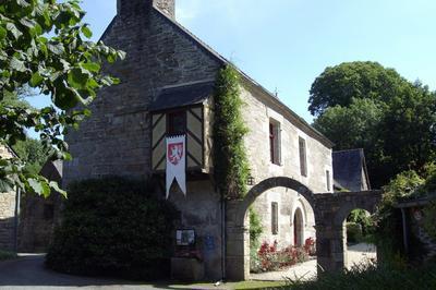 Découverte D'un Site Manorial Breton Du Xvie Siècle. à Bulat Pestivien